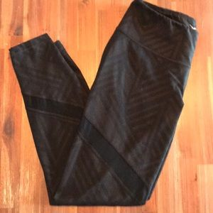 Old Navy Pants - 3 pairs of Old Navy crop workout leggings!!